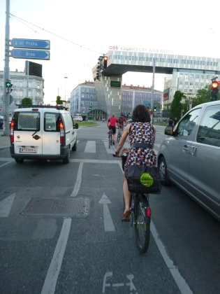 Cycling in traffic, Vienna